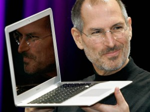 IFWT_Steve-Jobs-Introduces-MacBook-Air